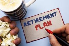 Примечание сочинительства показывая пенсионный план Вклады сбережений фото дела showcasing которые обеспечивают доходы для выбыто стоковые изображения