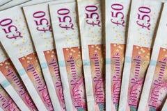 50 примечаний фунта, великобританские деньги стоковые фото