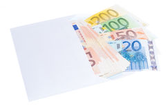 Примечания евро в конверте Стоковые Изображения