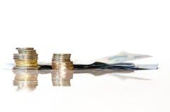 Примечания и монетки стоковое изображение rf