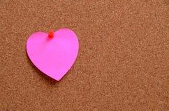 Примечания сердца форменные бумажные с конвертом Стоковые Фотографии RF