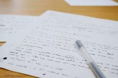 Примечания с ручкой и бумагой офиса Стоковое Изображение