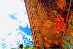 Примитивные убеждения на воротах семьи Kenze стоковая фотография rf
