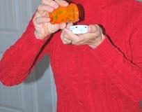 Принимать пилюльки витамина Стоковое Изображение RF