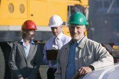принимать примечаний инженеры по строительству и монтажу Стоковая Фотография RF