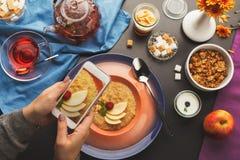 Принимать фото различных здоровых блюд для завтрака Стоковые Изображения