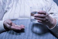 Принимающ ее лекарство каждый день Стоковые Фото
