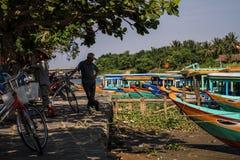 Принимающ пролом вдоль реки Bon Thu на солнечный день, Hoi, провинция Quang Nam, Вьетнам стоковые изображения