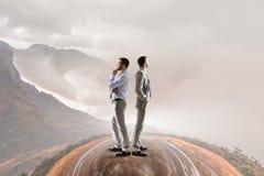 Принимающ решениее или выбирать сторону Мультимедиа Стоковая Фотография