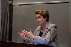 Принстон, NJ, США - 13-ое апреля 2017 - бывший бразильский президент Dilma Rousseff Стоковые Изображения RF