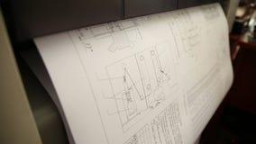 Принтер печатает чертеж акции видеоматериалы