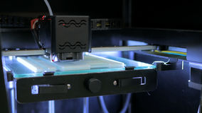 принтер 3D во время работы Стоковые Фото