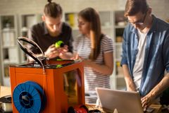 принтер 3D в студии современного дизайна Стоковая Фотография