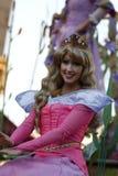 Принцесса рассвета в параде Диснейленда стоковое изображение rf