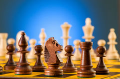 Принципиальная схема шахмат с частями Стоковая Фотография