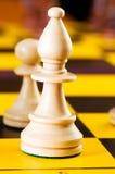 Принципиальная схема шахмат с частями Стоковое Фото