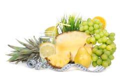 Принципиальная схема завтрака потери веса диеты с рулеткой Стоковая Фотография RF