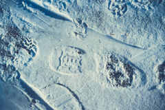 принципиальная схема подчеркивая вызывает снежок путя следов ноги исследования где-то к неисвестню стоковое изображение