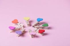 принципиальная схема clothespins толпится вне положение рядка Стоковые Фото