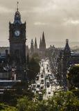 Принцы Улица и Balmoral Эдинбург стоковое фото