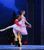 Принц куклы и танцы Клары - Щелкунчик балета Стоковые Фото