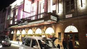 Принц Эдвард Театр Лондон играя мюзикл госпожи Сайгона видеоматериал
