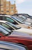 припаркованный холм автомобилей Стоковое фото RF