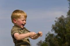 природа мальчика счастливая Стоковые Изображения
