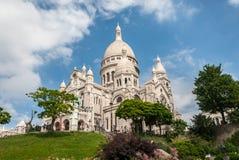 Природа холма церков basilika Sacre Coeur Парижа белые каменные и sk Стоковые Фото