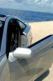 пристаньте автомобиль к берегу стоковые изображения rf