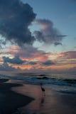 пристаньте восход солнца к берегу Стоковые Фото
