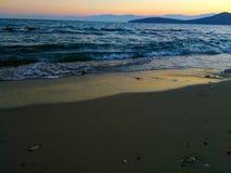 пристаньте волны к берегу Стоковые Изображения RF