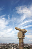 пристаньте длинний телескоп к берегу Стоковое Фото