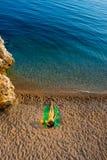 пристаньте лежа женщину к берегу Стоковые Фотографии RF