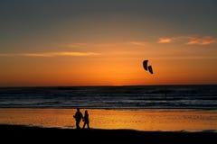 пристаньте заход солнца к берегу Стоковая Фотография