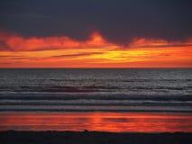 пристаньте заход солнца к берегу Стоковые Изображения RF