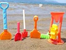 пристаньте игрушки к берегу Стоковая Фотография RF
