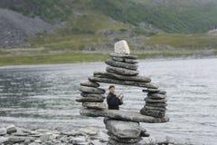 пристаньте камни к берегу пирамидки Стоковое Изображение