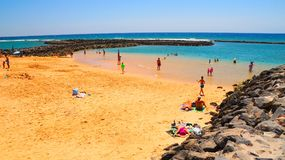 Пристаньте к берегу в Caleta de Fuste, Фуэртевентуре, Испании стоковое фото