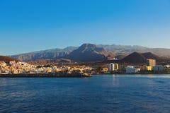 Пристаньте Лос к берегу Cristianos в острове Tenerife - канерейке стоковые изображения
