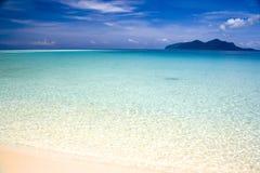 пристаньте остров к берегу тропический Стоковые Фотографии RF