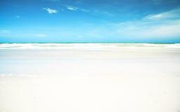 пристаньте песочную белизну к берегу стоковая фотография