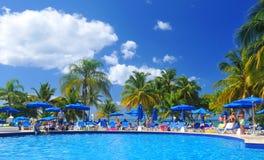 пристаньте солнце к берегу лета взморья lounger праздника Англии палубы дня стула brighton ветреное Стоковые Изображения RF