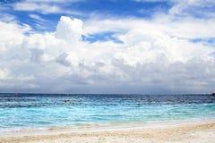 пристаньте тропическое к берегу Стоковое фото RF