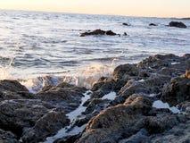 Пристаньте фотографию к берегу ландшафта, на побережье Сан-Диего южной Калифорнии, кристаллическая бухта, Санта-Барбара, острова  Стоковое Изображение RF