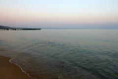 пристаньте черное море к берегу Стоковые Фото