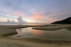 пристаньте karon к берегу phuket Таиланд Стоковое Изображение RF