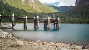 Пристань в озере стоковые фотографии rf