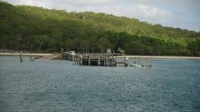 Пристань в острове сток-видео