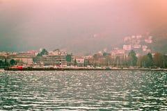 Пристань в Lago di Como (озере Como) около милана, Италии стоковое изображение
